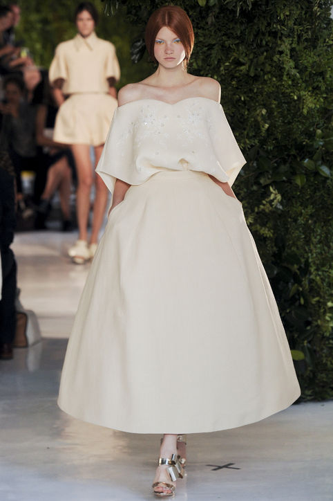 delpozo-off-the-shoulder-gown-spring-2014-h724