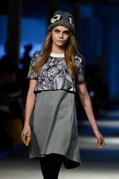 cara-delevingne-giles-fall-winter-2014-2015-show-february-2014_5