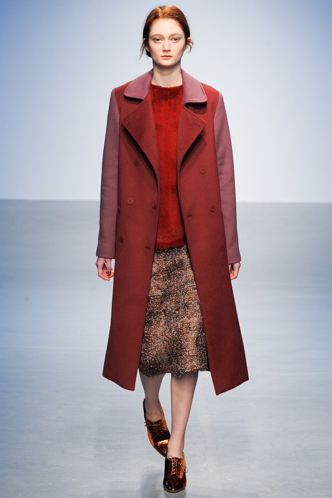 Long-VS-Oversized-Coats-The-Warmest-Outerwear-Trends-for-Winter-2015-Richard-Nicoll-Fall-Winter-2014-2015-Women-Clothing-Styles-11